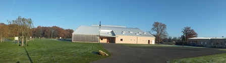 Salle multisports - Voie aux Vaches - Santeny. Pratique du Hockey, du tennis, des sports collectifs pour les élèves du collège...